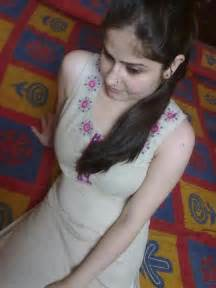 x desi litel boy fat women .mobi.3gp picture 12