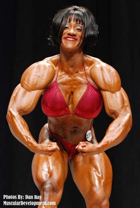 akila pervis breast job picture 4