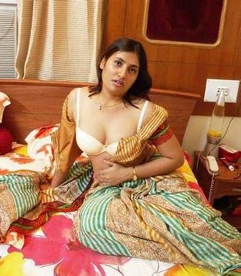 sexy urdu stories releated bhabi and anti picture 14