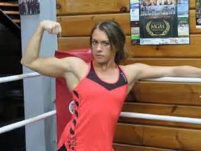 bodybuilder hurts worshiper picture 10