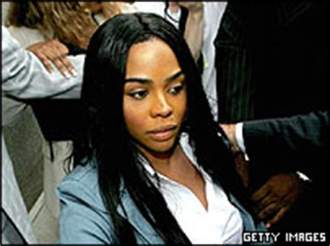Who cut lil kims hair in prison picture 7