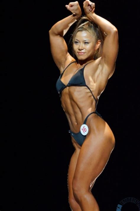 asian female bodybuilder picture 2