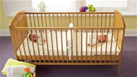 can i sleep twins in the same crib picture 6