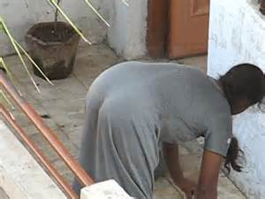 desi girl bathing by hidden camera picture 2