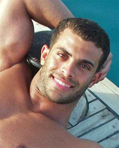 hairy arab muscle picture 3