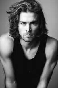 male models with long hair picture 10