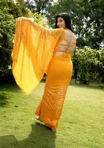 saree side view by aunties in the street picture 10