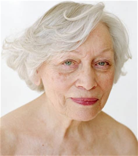 woman's face gradually aging picture 5