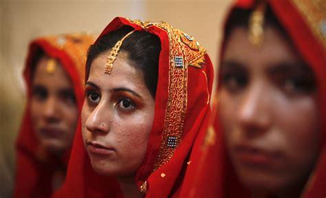 pakistan sex store picture 1