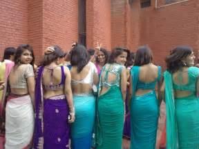 sex hot desi bhabhi removing saree showing body picture 11
