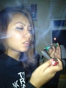 girls smoke marijuana picture 9