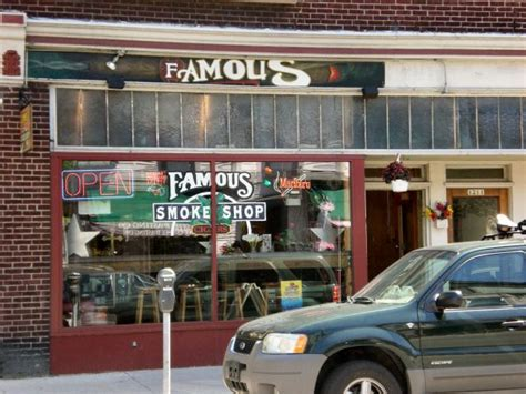 famous smoke shop picture 1