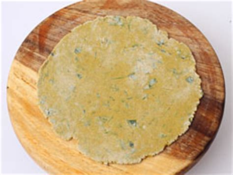 corn flour /bajri na dhebra- recipe picture 8
