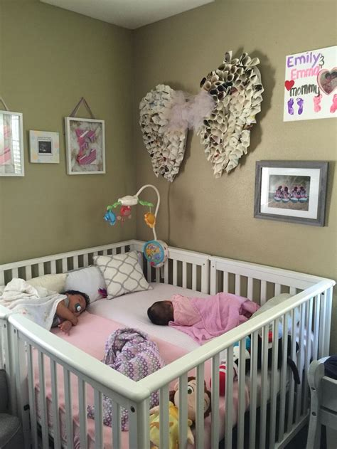 can i sleep twins in the same crib picture 4