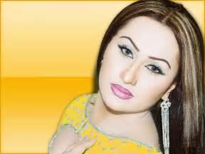 pakistani nanga mujra picture 14