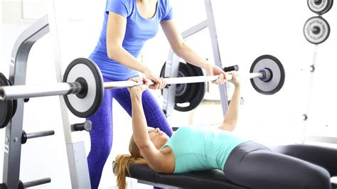 average man can bench press woman picture 4