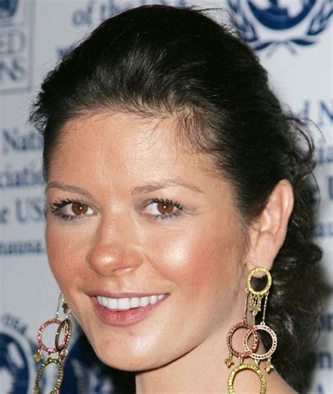 celebrities with acne picture 7