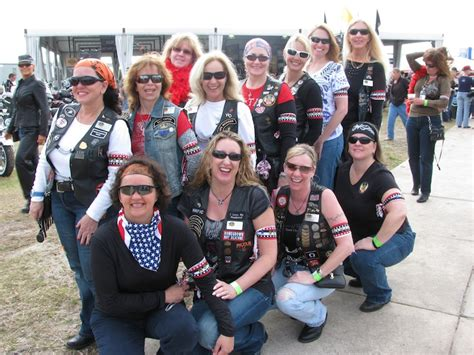 older women club picture 2