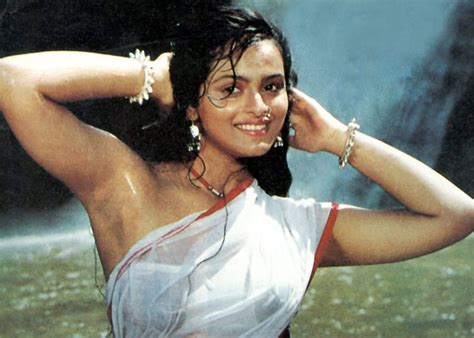 wet desi girls body visible under pic picture 4
