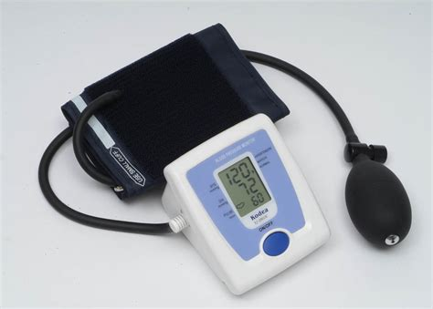 Blood pressure machine picture 1