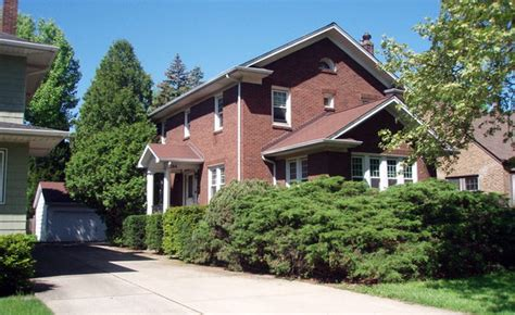 chicago areas funeral business homes for sale picture 4
