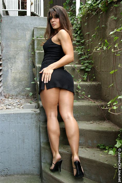 women with large muscular and rock hard legs picture 9