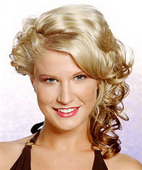 prom hairstyles medium length hair picture 6