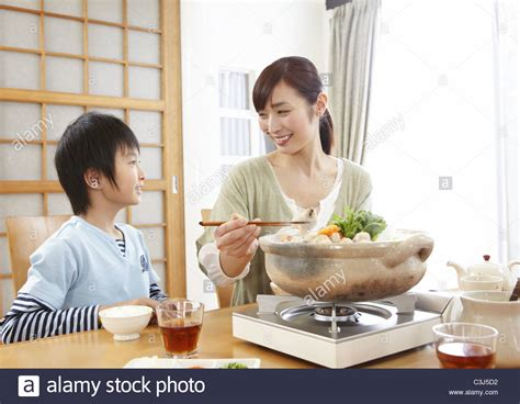 japanese mom and son frustration picture 5