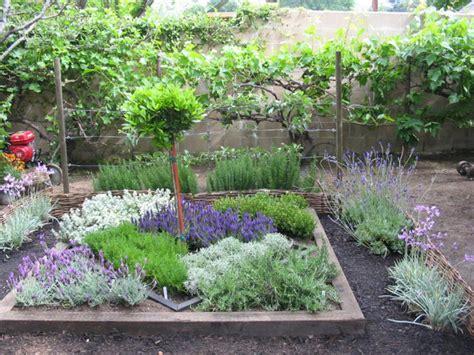herbal garden design picture 6