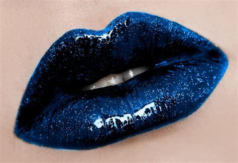 Blue lipstick lips picture 1