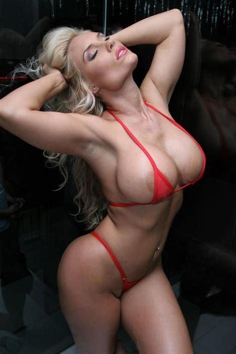 futa muscle gif picture 3