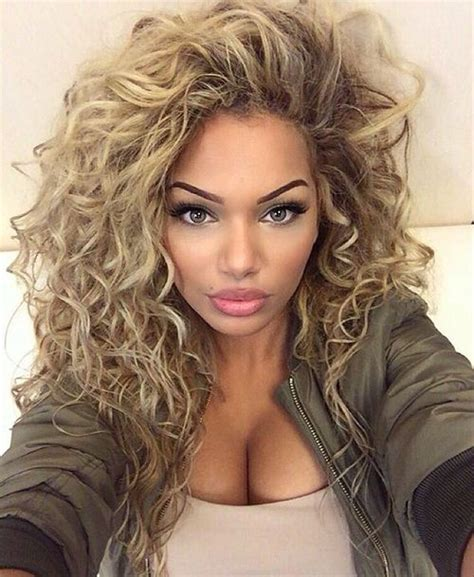 curly hair blonde picture 14