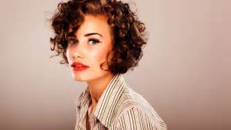 curl hair with a round brush how to picture 5