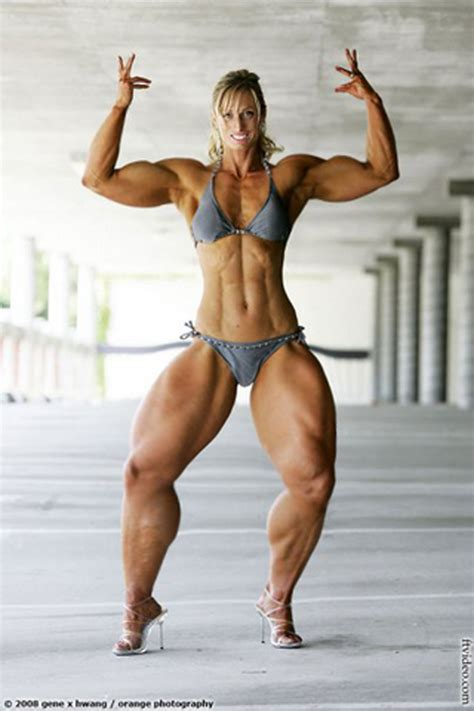 muscular women with hard legs picture 5