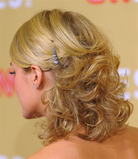 prom hairstyles medium length hair picture 5