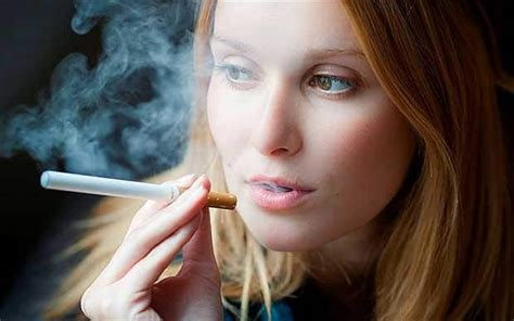 women want to smoke in public picture 14