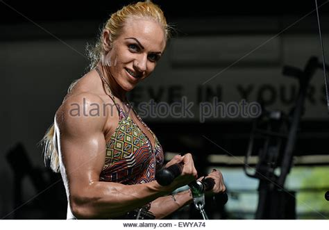 women heavy weight muscle morphs picture 14