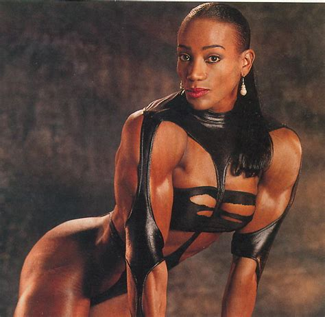 black women bodybuilder in mauricius show picture 9