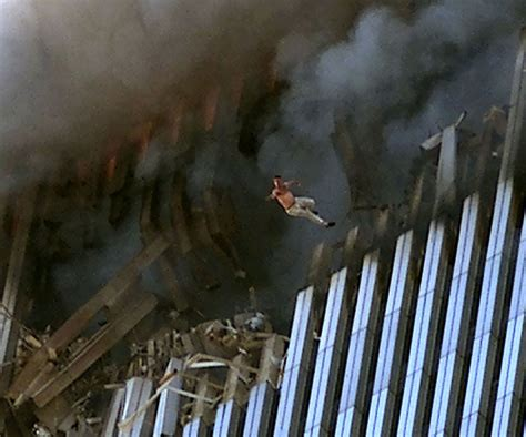faces on smoke on wtc fire picture 3