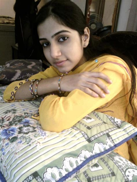 low price call girl desi indian picture 3