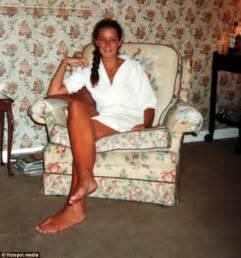 woman long soles comparison picture 10