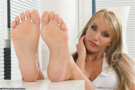 fantasies feet sleep picture 6
