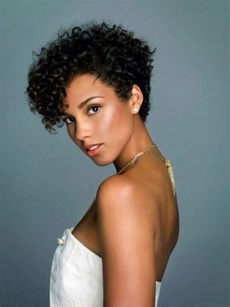 celebs with short natural hair picture 3