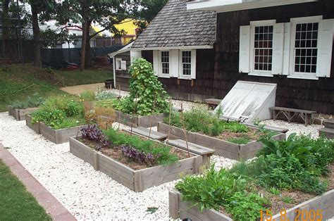 herbal garden design picture 10