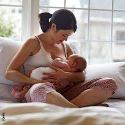 her solution while breastfeeding picture 5