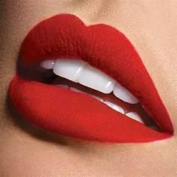 Clic reds lip color picture 7