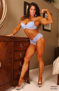 hot female muscle picture 5