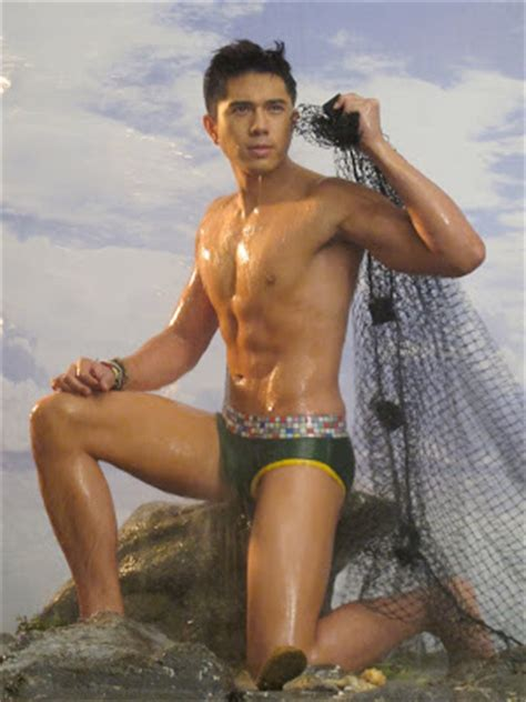 pinoy men body expose picture 1