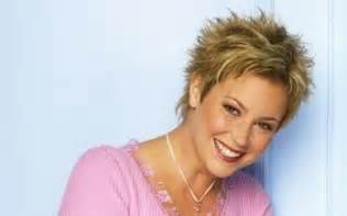 pictures of kim rhodes hair picture 3