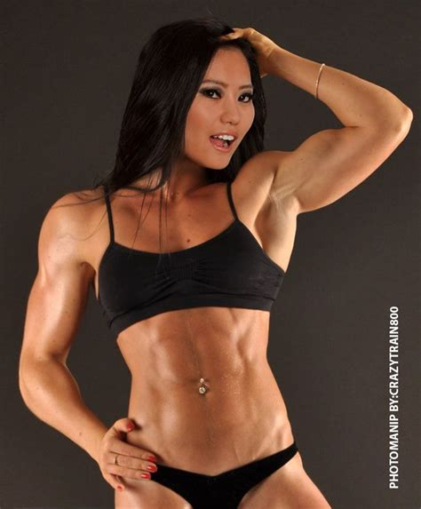 female muscle models picture 6